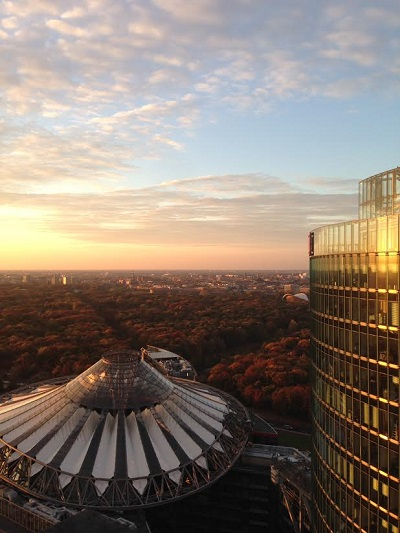 Berlin, Potsdamer Platz, view at the Berlin Tiergarten, Dach vom Sonycenter